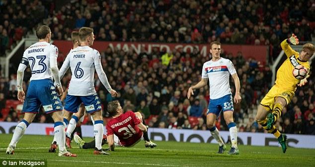 Kẻ bị bỏ rơi lập công, Man United tạo mưa bàn thắng ở Old Trafford - Ảnh 4.