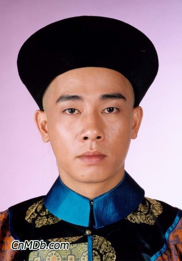 """Trần Tiểu Xuân: """"Xấu trai"""" nhất nhì showbiz nhưng vẫn cưới được mỹ nhân - Ảnh 6."""