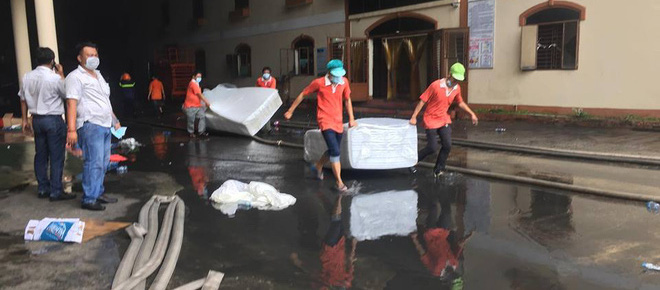 Vụ cháy ở Cần Thơ thiệt hại đến 6 triệu USD, chủ doanh nghiệp ngất xỉu tại hiện trường - Ảnh 5.