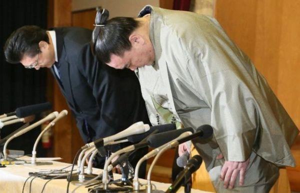 Thế giới u ám của võ sĩ sumo tại Nhật: Không lương, không điện thoại, không bạn gái - Ảnh 1.