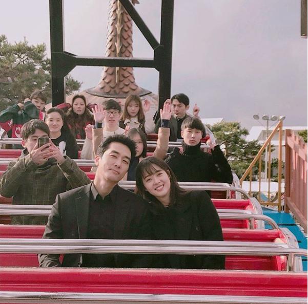 Song Seung Hun chia tay Lưu Diệc Phi để hẹn hò với mỹ nữ kém 14 tuổi? - Ảnh 6.