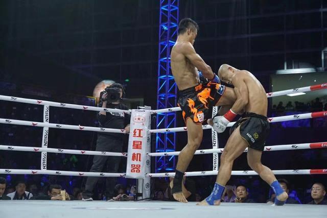 """""""Đệ nhất Thiếu Lâm"""" Yi Long tái đấu võ sĩ Thái Lan, quyết """"rửa mặt"""" cho võ Trung Quốc - Ảnh 2."""