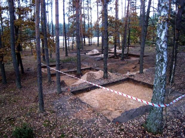 Khai quật nhà tù mới ở Ba Lan, nơi tố cáo tội ác man rợ của Hitler - Ảnh 8.