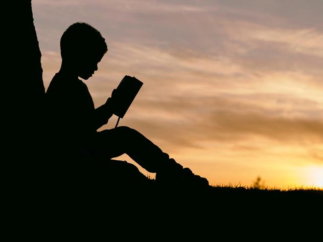 Câu chuyện cậu bé tủi thân vì học kém, cha mẹ xấu hổ không đi họp phụ huynh khiến nhiều người phải suy ngẫm - Ảnh 2.