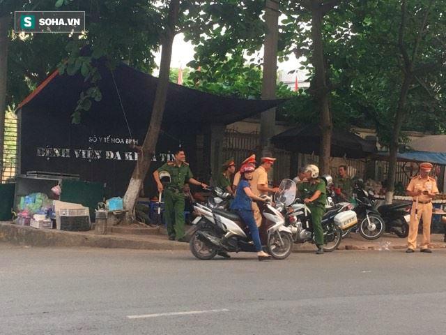 6 bệnh nhân tử vong ở BVĐK Hoà Bình: Buổi sáng bệnh nhân vẫn tự đạp xe, đi bộ đến bệnh viện - Ảnh 1.