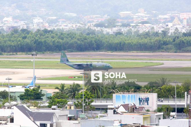 Vận tải cơ C-130J Super Hercules chở đoàn tiền trạm Hàn Quốc dự APEC đáp xuống Đà Nẵng - Ảnh 5.