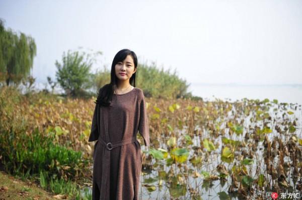 Cô gái không tay bỗng thành 'hiện tượng' trên mạng xã hội Trung Quốc - Ảnh 1.