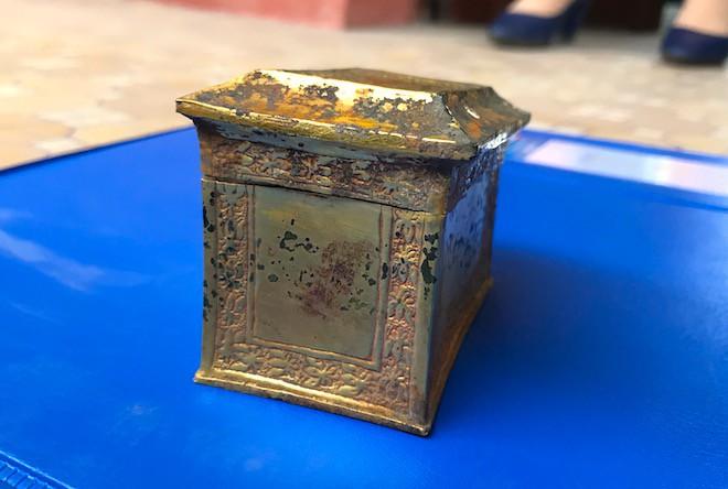 Cận cảnh cổ vật bằng vàng tại Nghệ An vừa được công nhận là bảo vật Quốc gia - Ảnh 5.