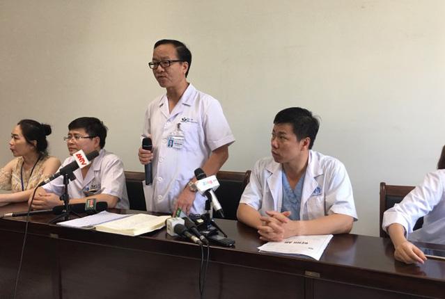 Bệnh viện Nhi TW: Bé 1 tuổi nghi bị bạo hành có xuất huyết não phải, co giật ngắn 2 lần - Ảnh 1.