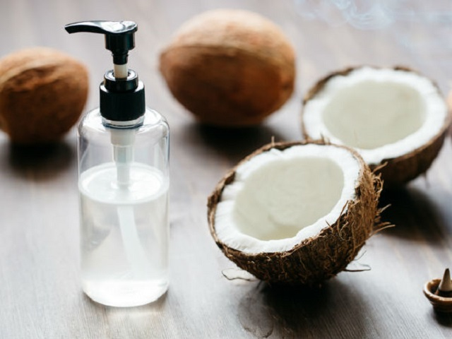 Chữa viêm khớp, đau khớp không dùng thuốc: Chỉ 1 thìa dầu dừa và nửa cốc nước ép bắp cải - Ảnh 2.