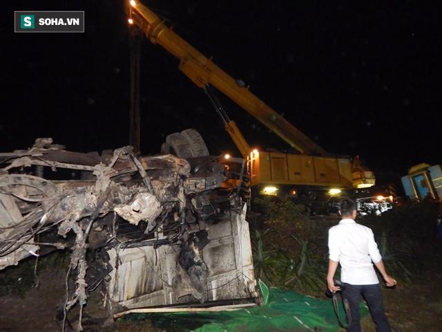 Hàng trăm người thức trắng đêm thông tuyến đường sắt sau tai nạn - Ảnh 9.