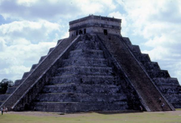 Lần đầu tiên các nhà khảo cổ học giải mã thế giới ngầm của người Maya cổ đại - Ảnh 3.