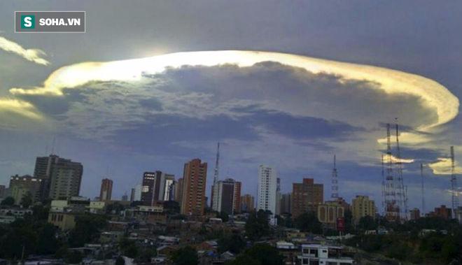 Hiện tượng lạ xuất hiện trên bầu trời Venezuela: Tận thế có xảy ra? - Ảnh 3.