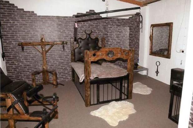 Bên trong căn phòng tra tấn bệnh hoạn của băng nhóm thanh niên nghiện ngập - Ảnh 2.