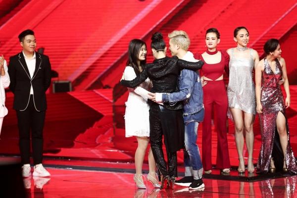 Cô gái Hàn Quốc gây tranh cãi vì hát nhạc Trịnh theo phong cách Kpop - Ảnh 6.