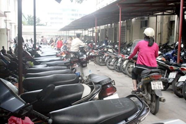 Đà Nẵng sẽ bỏ chính sách giữ xe miễn phí có từ thời ông Nguyễn Bá Thanh - Ảnh 1.