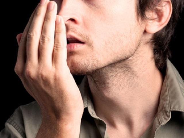 5 loại hơi thở hôi cảnh báo bạn có thể bị viêm xoang, tiểu đường hay ung thư phổi - Ảnh 1.