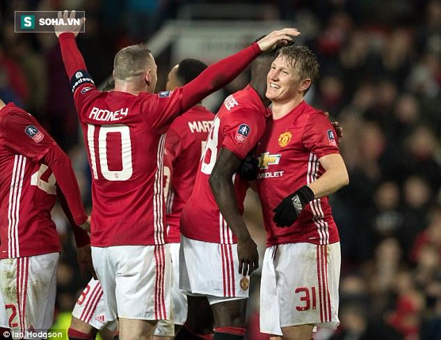 Kẻ bị bỏ rơi lập công, Man United tạo mưa bàn thắng ở Old Trafford - Ảnh 3.