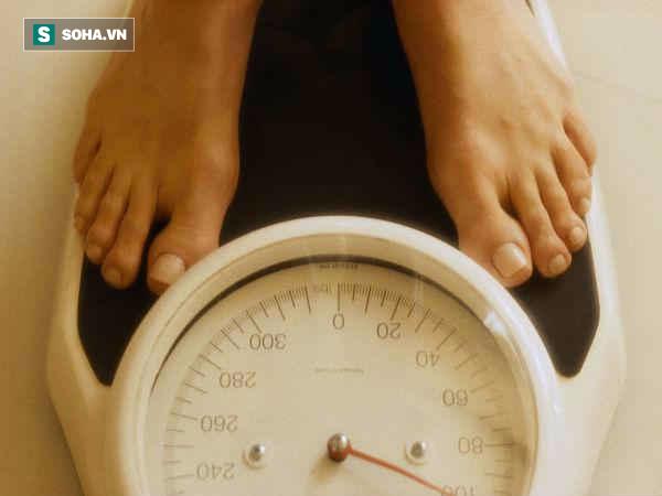 Đừng vội mừng khi thấy giảm cân nhanh: Bạn có thể mắc một số bệnh - Ảnh 1.