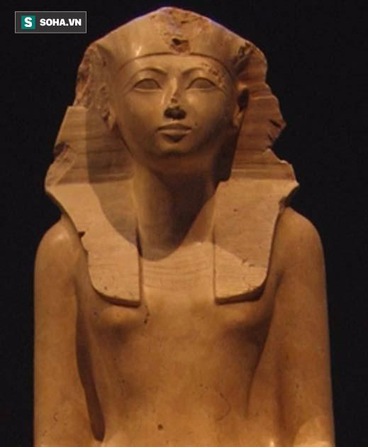Không phải Hatshepsut, đây mới là nữ hoàng cầm cân nảy mực đầu tiên ở Ai Cập - Ảnh 1.