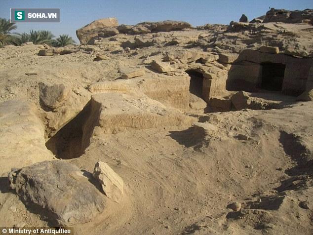 Truy tìm bí ẩn của 12 cổ mộ trong nghĩa địa Ai Cập cổ đại 3400 tuổi - Ảnh 1.