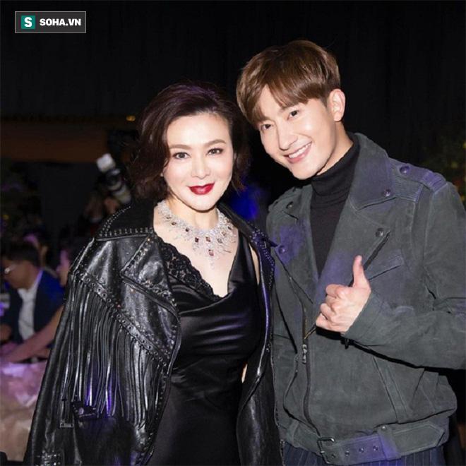 Chán đại gia, Quan Chi Lâm quay sang hẹn hò với trai trẻ - Ảnh 2.