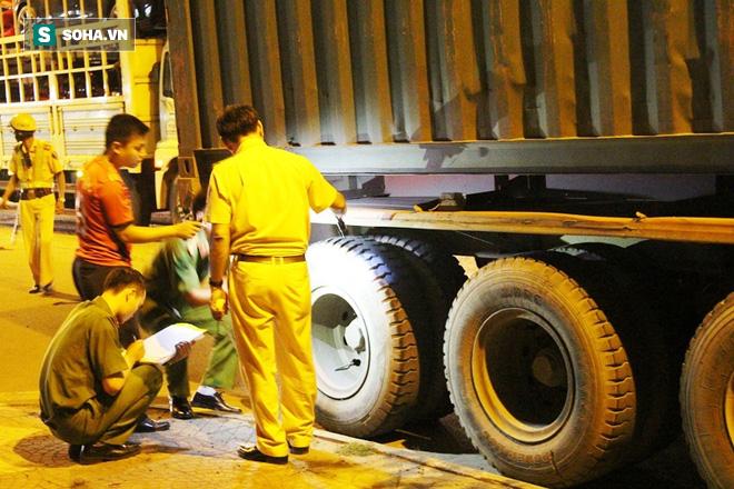 Dân truy đuổi lái xe container tông chết người đàn ông - Ảnh 3.