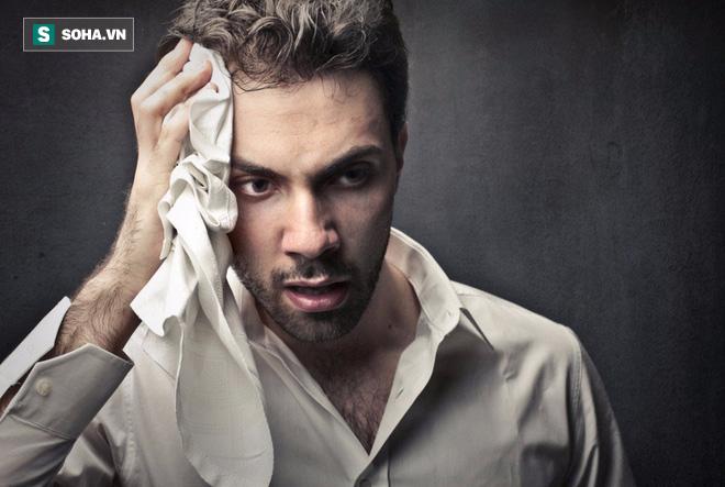 Nếu thấy 2 dấu hiệu này xuất hiện khi đang ngủ, nam giới cần đi khám sớm - Ảnh 1.