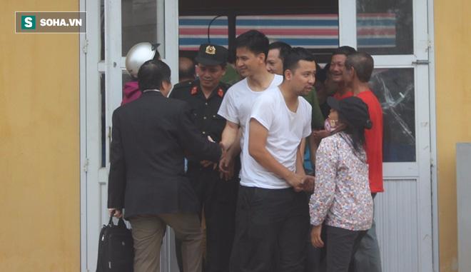 19 cán bộ, chiến sỹ phấn khởi khi được thả, dân Đồng Tâm hân hoan vì không bị xử lý hình sự - Ảnh 4.