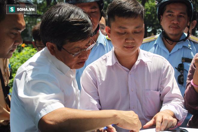 Ông Đoàn Ngọc Hải xử phạt ô tô BMW ngoại giao dán thẻ miễn trừ giả - Ảnh 2.