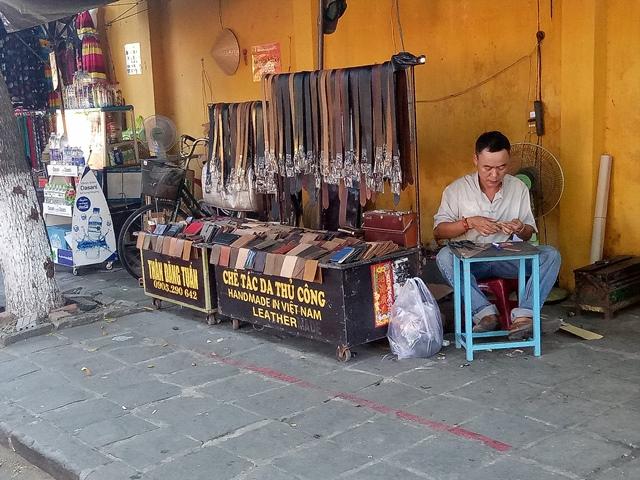 Ông Nguyễn Sự đau lòng khi cán bộ quy tắc đô thị đánh người trong phố cổ Hội An - Ảnh 3.