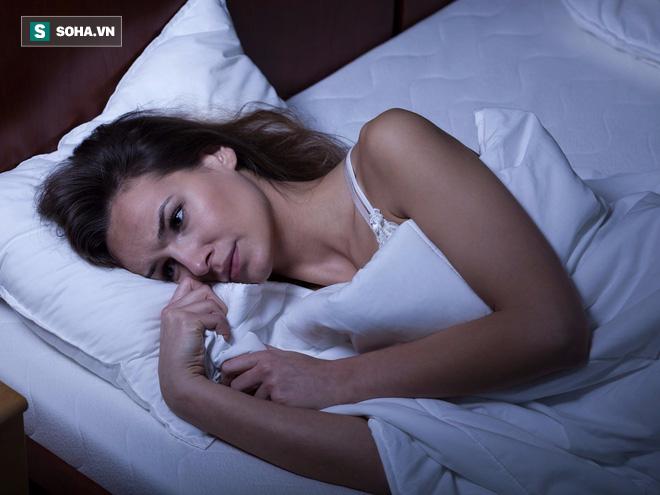 Chuyên gia Anh hướng dẫn cách chữa mất ngủ mãn tính không cần thuốc hiệu quả nhất hiện nay - Ảnh 1.