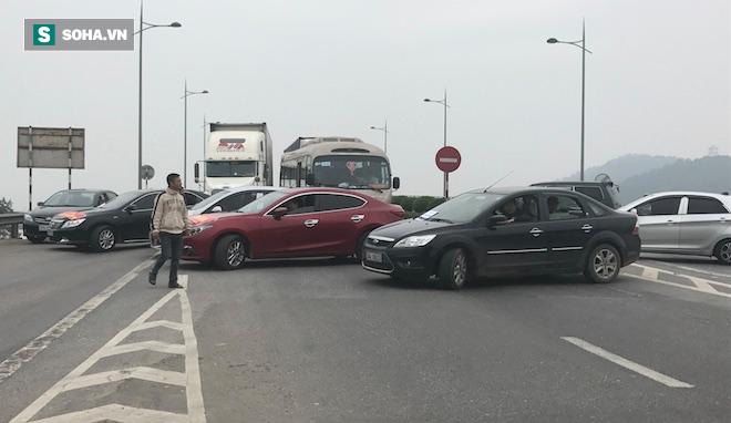 4 huyện thị ở Nghệ An và Hà Tĩnh được giảm 50% phí qua cầu Bến Thuỷ - Ảnh 2.