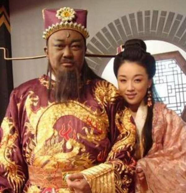 Dồn toàn bộ tâm sức cho vai Bao Công, cuộc đời Kim Siêu Quần gặp nhiều hậu quả xấu về sau   - Ảnh 5.