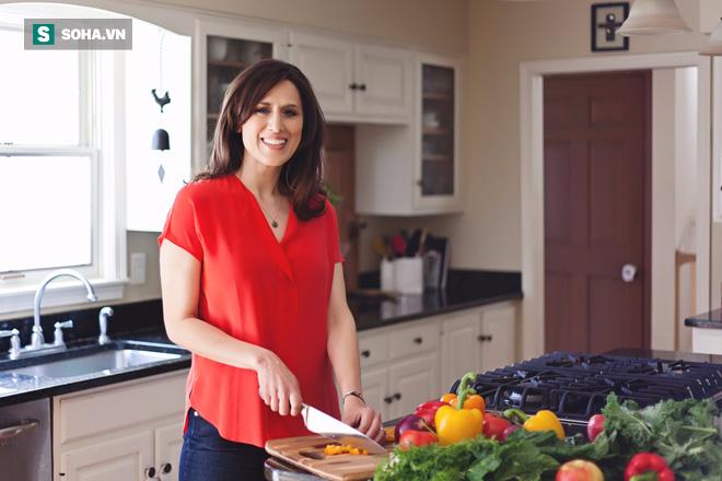 Chuyên gia dinh dưỡng hàng đầu Mỹ chỉ 4 nguyên tắc, 5 bước ăn sạch ai cũng làm được - Ảnh 1.