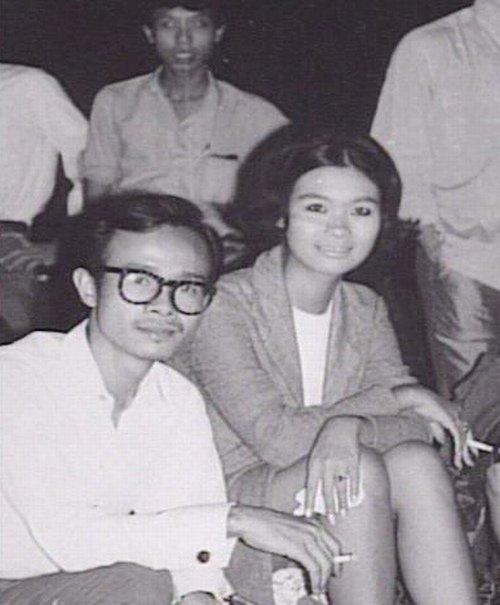 Danh ca Khánh Ly: Lúc đó, vì chưa đủ tuổi vào vũ trường, nên tôi bị cảnh sát bắt - Ảnh 2.
