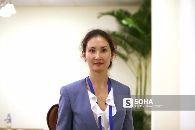 Ấn tượng về APEC của nữ đại biểu người Nga nói tiếng Việt như gió - Ảnh 1.