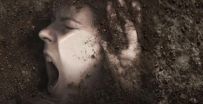 Nửa đêm tử tù đột nhập vào nhà, cô gái trẻ nếm trải cơn ác mộng đau đớn nhất đời - Ảnh 4.