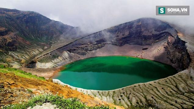 Bí ẩn hồ nước 52.000 năm tuổi làm nhiễu loạn la bàn và thiết bị điện tử - Ảnh 1.