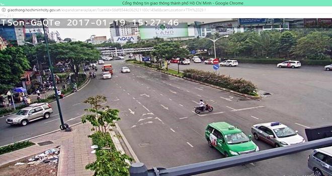 Người Sài Gòn tránh kẹt xe bằng smartphone - Ảnh 1.