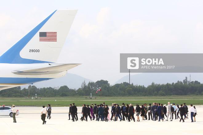 Toàn cảnh lễ đón Tổng thống Mỹ Donald Trump - Ảnh 3.