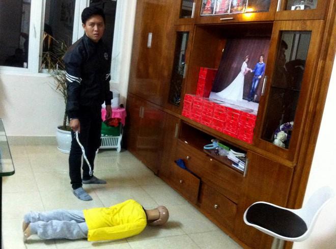 Lời khai người cha bạo hành con trai 10 tuổi rạn xương sọ ở Hà Nội - Ảnh 1.