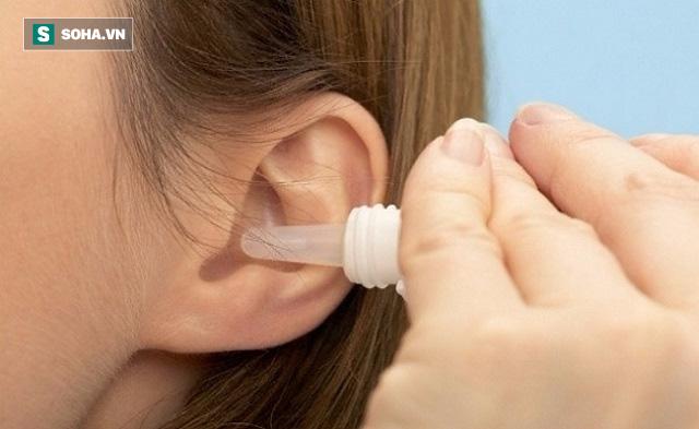 Vệ sinh tai sai cách có thể khiến bệnh nặng thêm: Đây là cách làm sạch an toàn hơn - Ảnh 2.