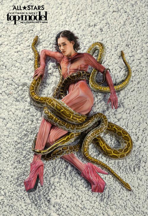 Lộ nhược điểm cơ thể khi chụp với trăn, Thùy Trâm bị loại khỏi Vietnams Next Top Model - Ảnh 18.