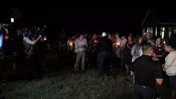 Xả súng ở Texas, ít nhất 26 người thiệt mạng, cảnh sát tiến hành khám xét nhà hung thủ - Ảnh 5.
