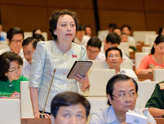 Đại biểu Phạm Khánh Phong Lan trong một lần chất vấn trước Quốc hội Ảnh: Thế Dũng, Người Lao Động.