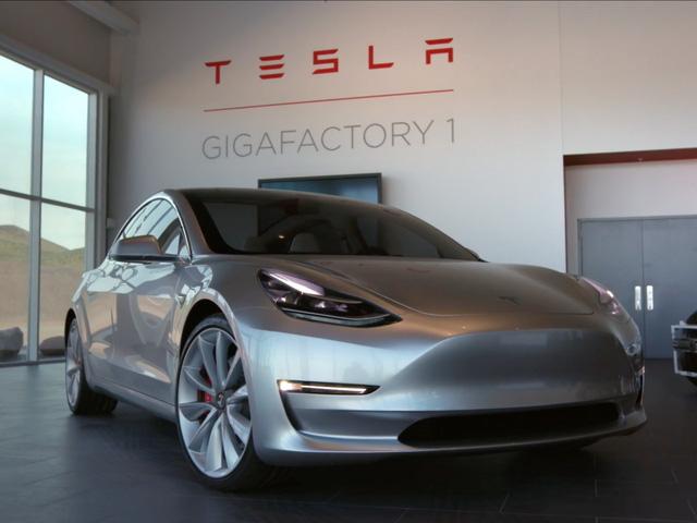 12 bí mật về xe điện Tesla mà không phải ai cũng biết - Ảnh 1.