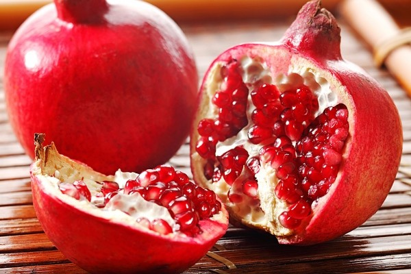 Bất ngờ với công dụng của loại quả màu đỏ quen thuộc có khả năng chống oxy hóa cao gấp 3 lần trà xanh - Ảnh 1.