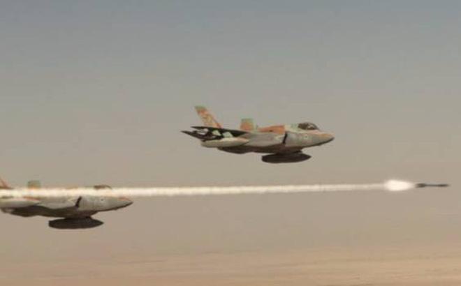 Phòng không Syria vỡ vụn trước đòn tập kích chớp nhoáng của Israel  - Ảnh 2.