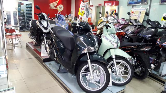 Cận Tết Nguyên đán, Honda SH150i 2017 đội giá 31 triệu Đồng - Ảnh 1.